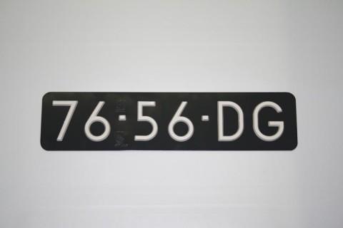 Kentekenplaat opgelegde letters